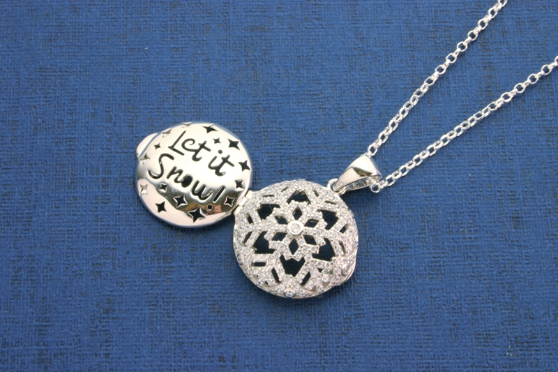 LET IT SNOW SNOWFLAKE LOCKET