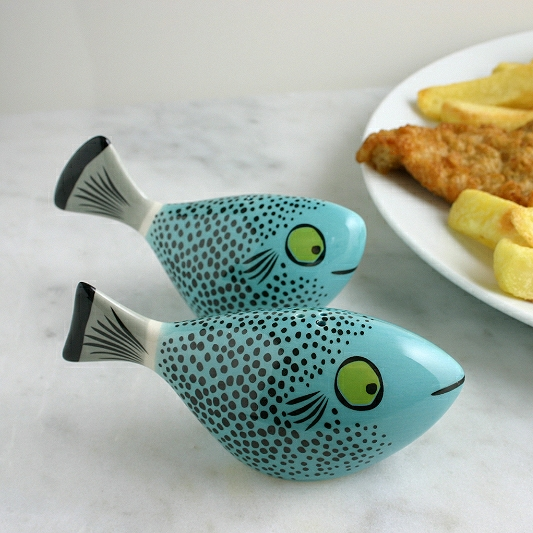 FISH SALT & PEPPER SHAKERS BLUE