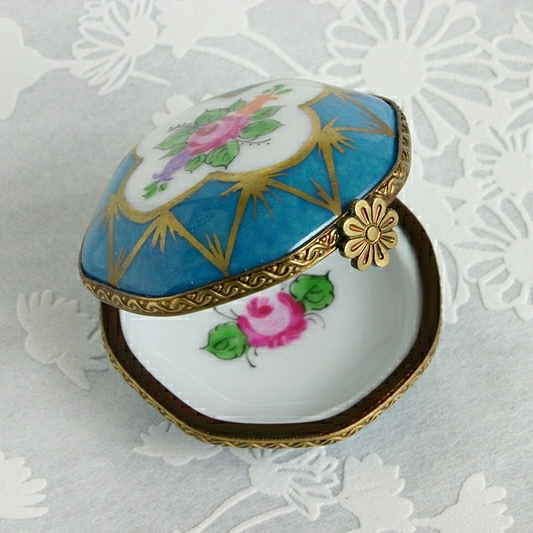 Floral Limoges Box, Gift For Wives, Mothers And Grandmothers