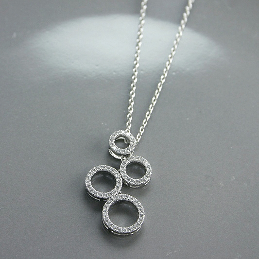 FOUR CIRCLE NECKLACE