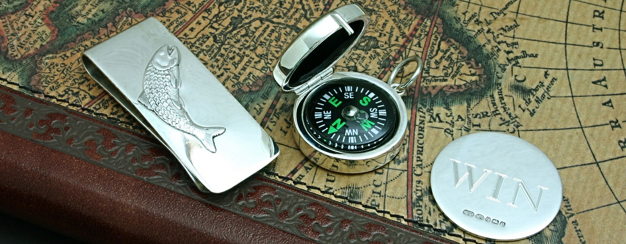 Silver Fish Money Clip, Compass And Win Lose Coin