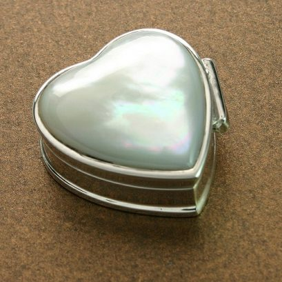 SILVER HEART & MOTHER OF PEARL PILLBOX