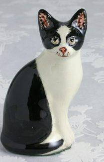 BLACK & WHITE CAT FIGURE