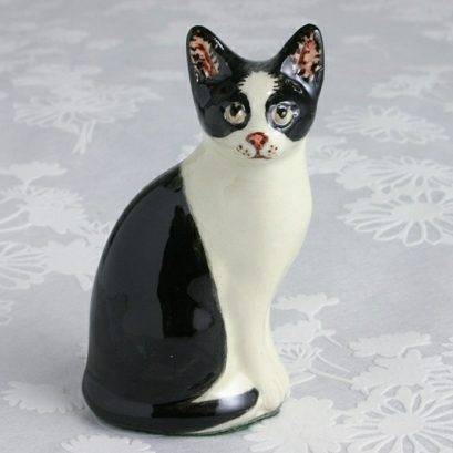 BLACK & WHITE CAT FIGURE