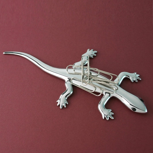 Magnetic Paper Clip/paper Weight Holder In Shape Of A Salamander