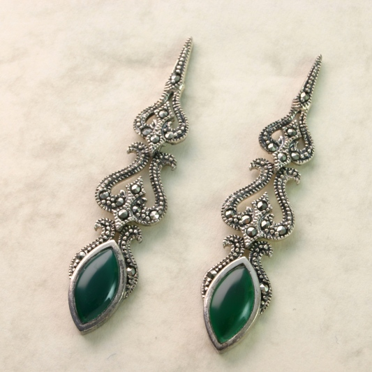 Silver Drop Earrings With Green Agate
