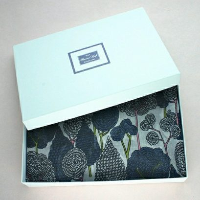 ORIENTAL TREES SCARF GIFT BOX