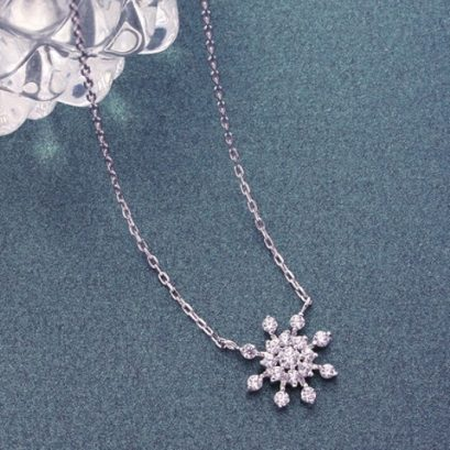 SPARKLY SNOWFLAKE NECKLACE