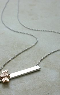 GOLD PLATED BEE ON BAR NECKLACE