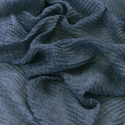 BLUE PLEATED SCARF CLOSEUP