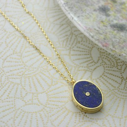LAPIS OVAL LOCKET