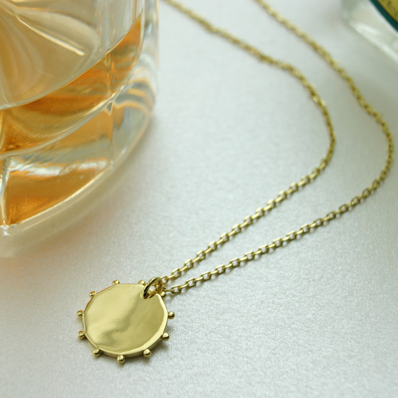 SMALL BEAD DISC NECKLACE
