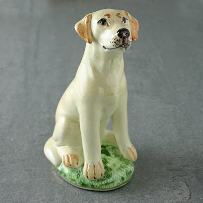 GOLDEN LABRADOR FIGURE